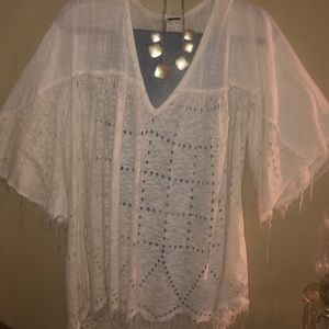 FREE PEOPLE boho style Top!! In Ivory